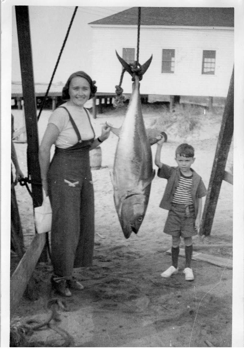 Aunt Gussie with small blue as her giant one was 673lbs
